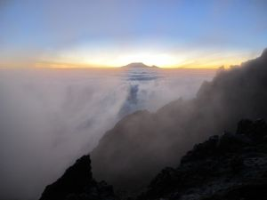 Meru_Kili_sunrise